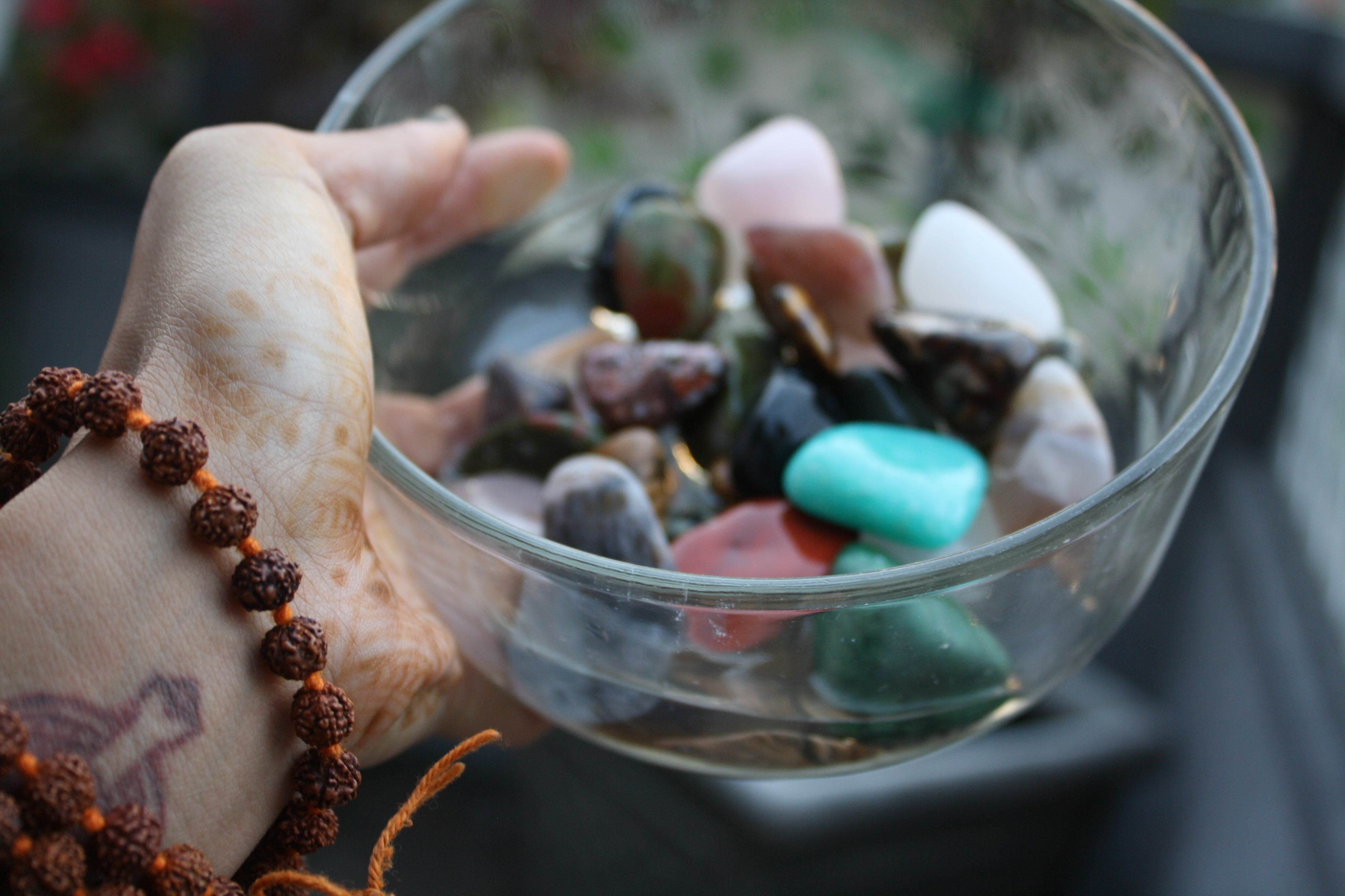 Guide to crystals and gemstones for healing the open mind for Crystal fall